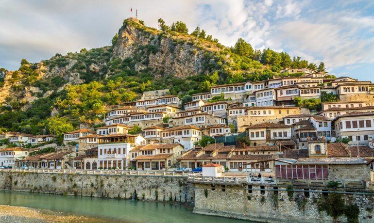 Албания: живописная страна с реками, озёрами и интересными городами