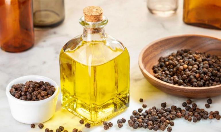 Эфирное масло перца: свойства и применение