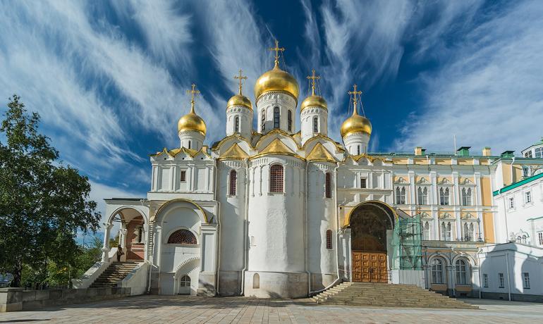 Московский Кремль и его храмы: где короновали и хоронили русских царей