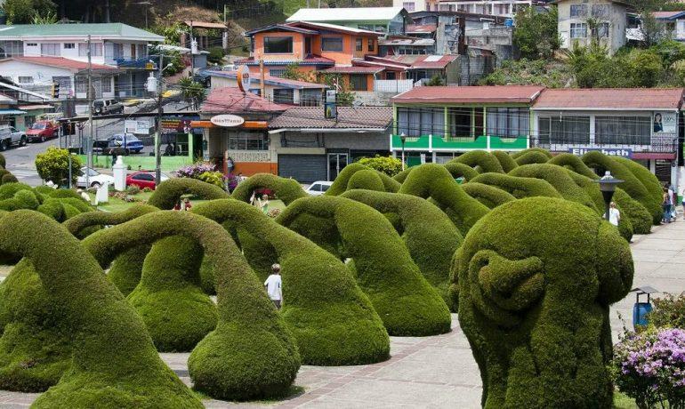 9 самых странных садов мира