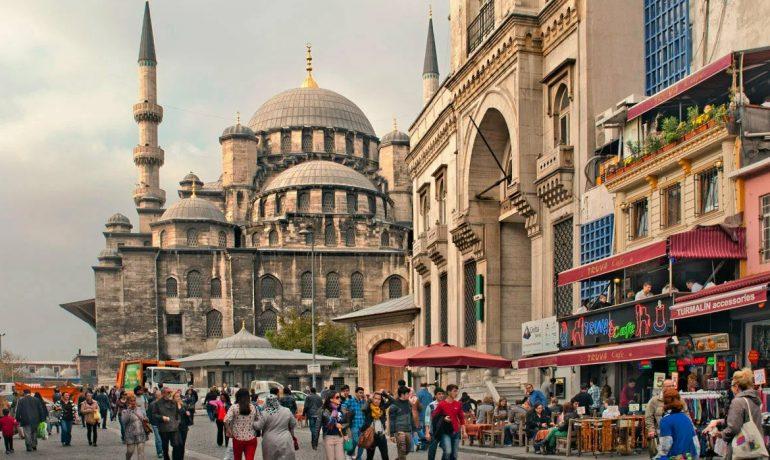 Мечети, дворцы и восточный колорит Турции: что обязательно посмотреть в Стамбуле новичку