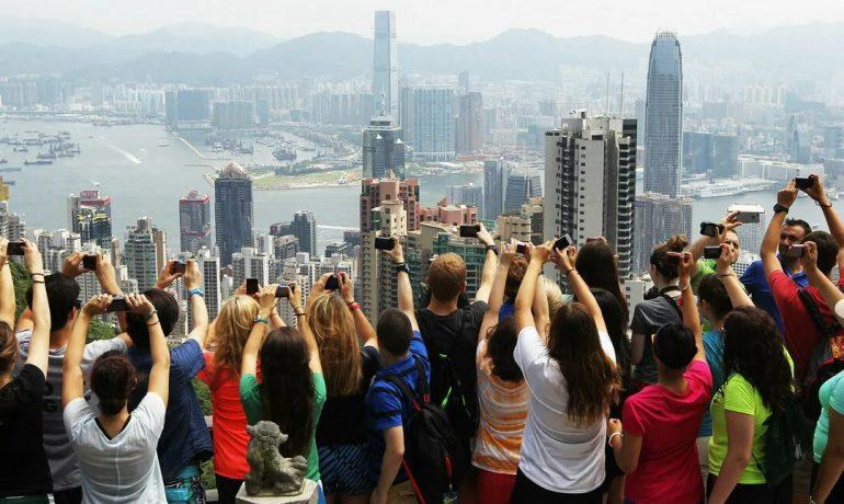 Как раздражают туристы: откровения местных жителей из разных стран