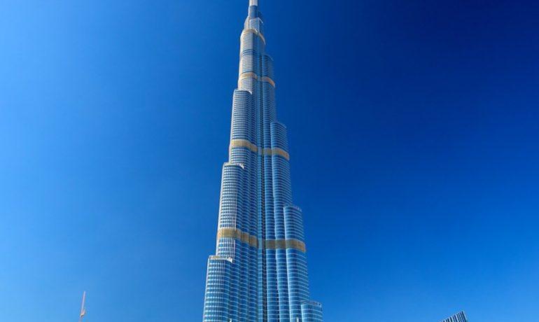 Идея для отдыха - Бурдж Халифа в Дубае - самое высокое здание в мире