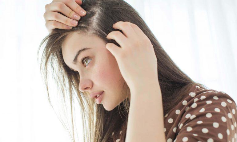 7 лучших косметических средств от выпадения волос осенью