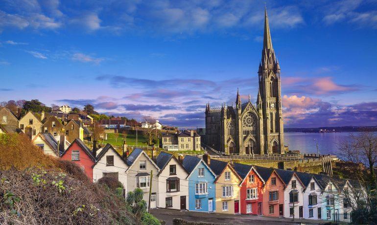 Куда поехать в октябре: речная гонка в Перу или пир в Корке (Ирландия)
