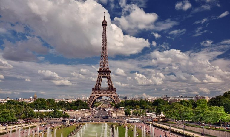Интересные факты про Эйфелеву башню – самую большую достопримечательность Парижа, Франция