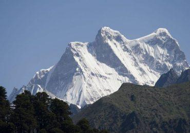 Какую гору следует считать самой высокой из непокоренных человеком?