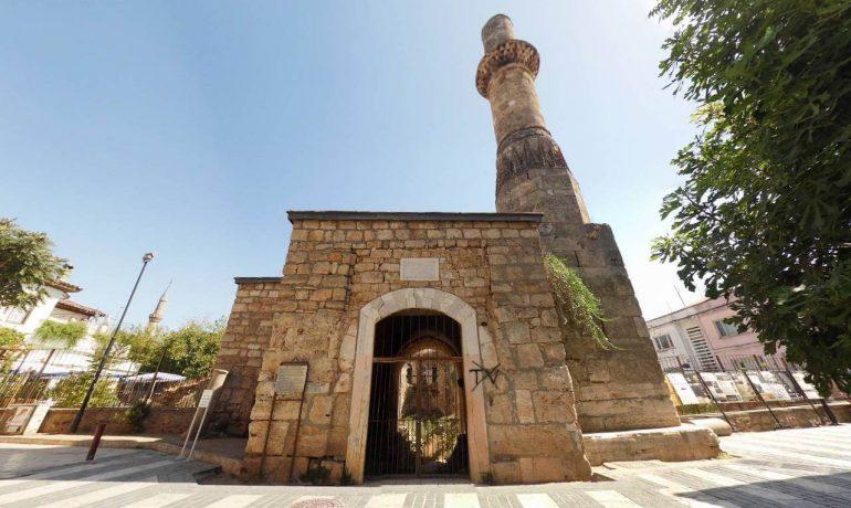 Достопримечательности Турции: минарет Кесик в Анталии