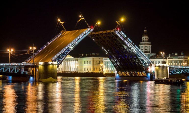 Дворцовый мост в Санкт-Петербурге: история возникновения и интересные факты