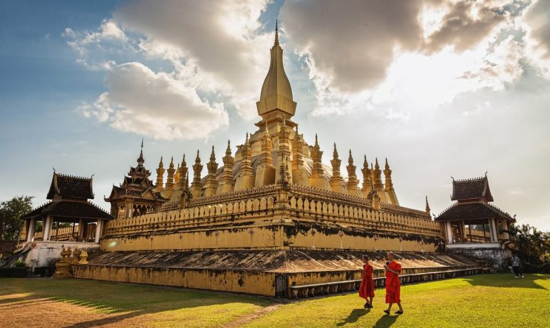 Лаос - страна с красивой природой и множеством этнических групп