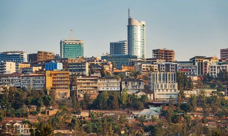 Руанда - красивая страна с тяжёлым политическим прошлым