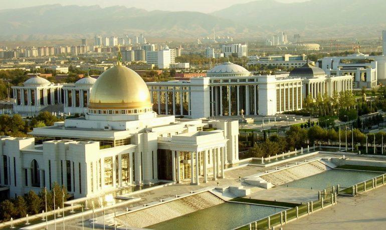 Туркменистан. Как живут люди в самом закрытом государстве мира?