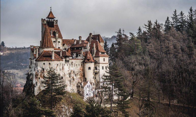 7 самых загадочных замков в Европе