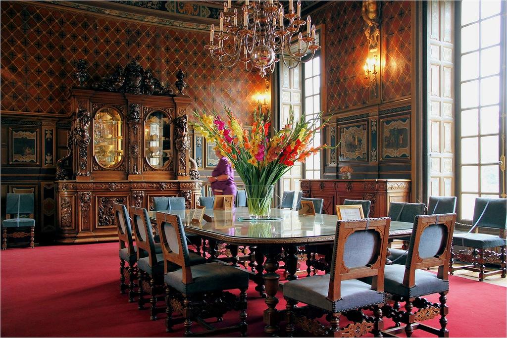 Шеверни - один из самых известных французских замков